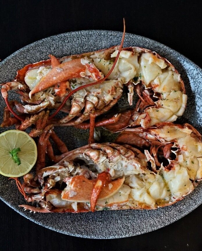 Cooked Lobster With Garlic Butter